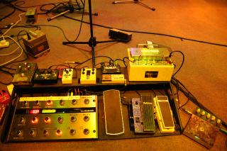 Charlie Burchill's studio rig with a plethora of Fulltone pedals.