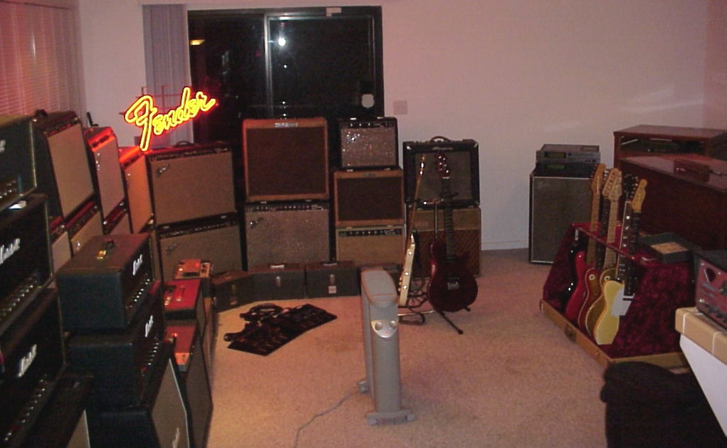 Amp Tracking Room Fulltone Musical Products Inc